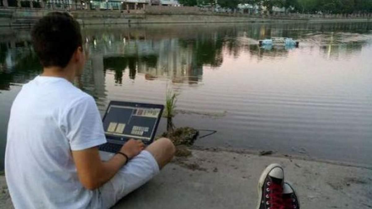 Українець створив робота, який допоможе очищати водойми