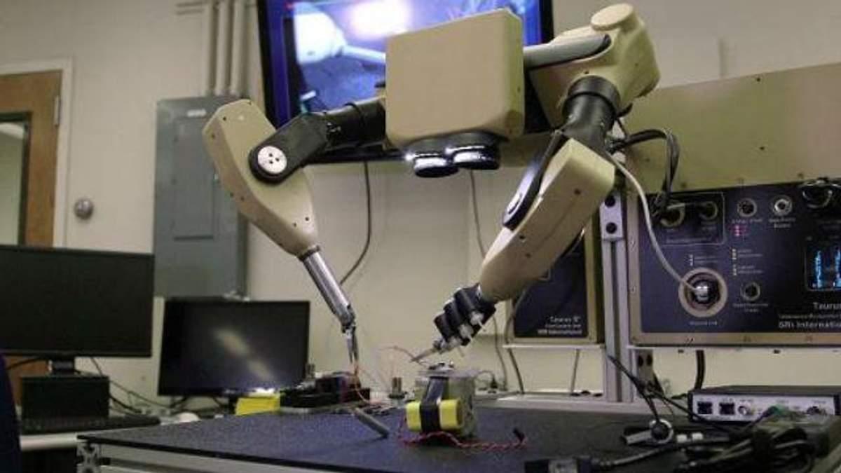 Разрабатывают робота-хирурга