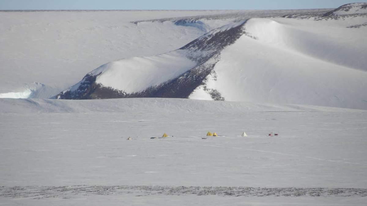 Експерти NASA виявили 250 метеоритів в льодовиках Антарктиди