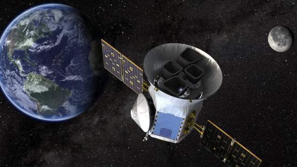SpaceX вивів на орбіту супутник TESS для пошуку позаземного життя: захоплююче відео запуску