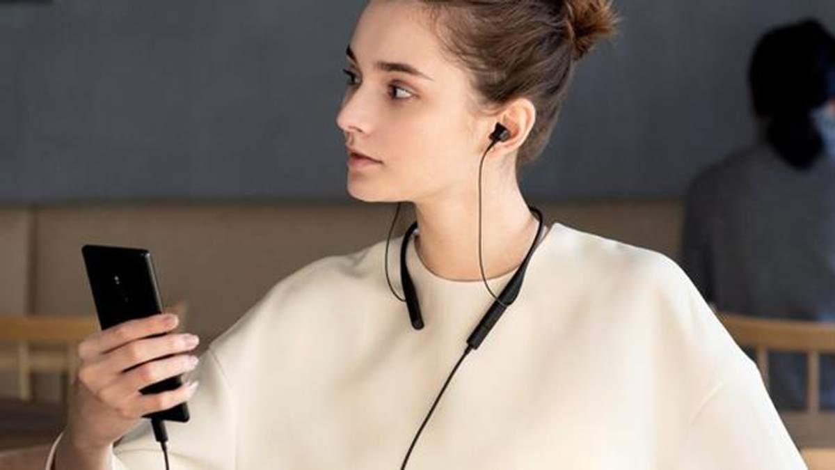 "Sony представила ""особенную"" гарнитуру SBH90C: обзор, характеристики, цена"