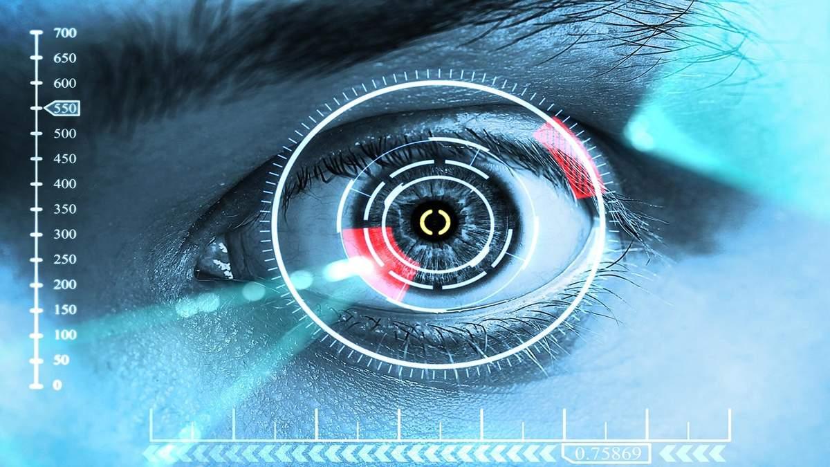 """Учені створили контактні лінзи, що """"стріляють"""" лазером"""