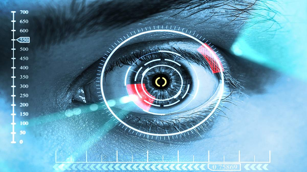 """Ученые создали контактные линзы, которые """"стреляют"""" лазером"""