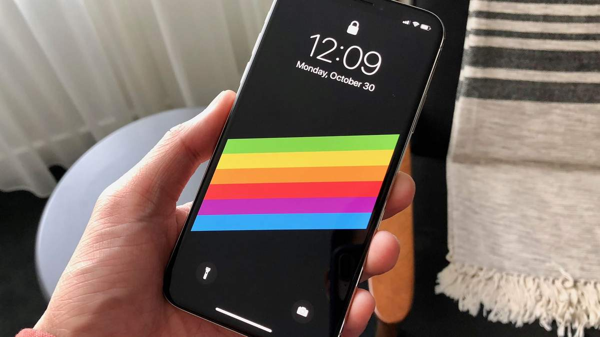 В сети появились фото нового iPhone SE 2