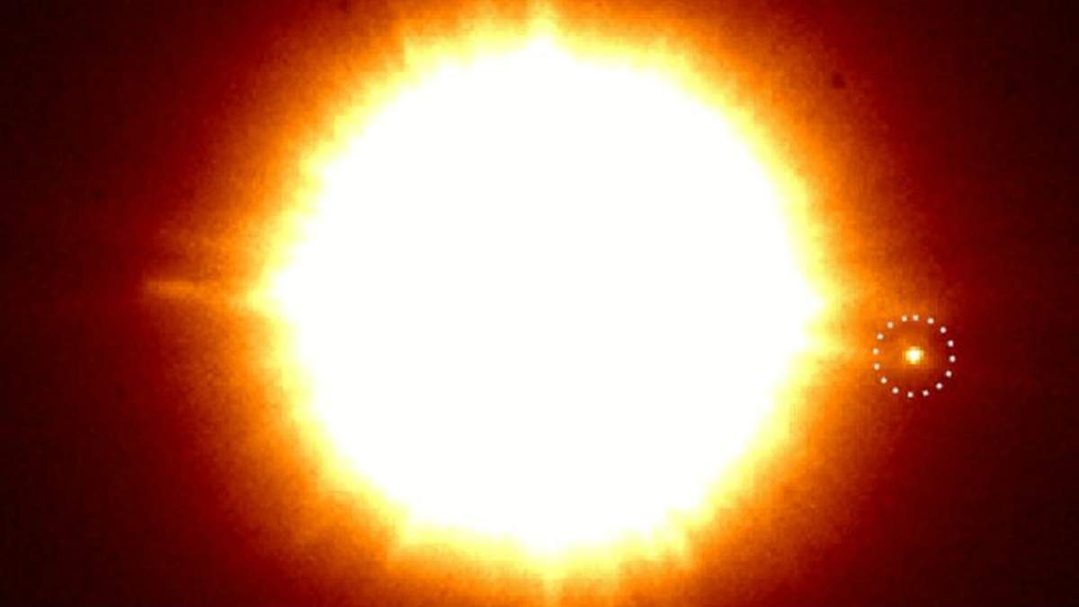 Астрономы случайно сделали снимок молодой экзопланеты