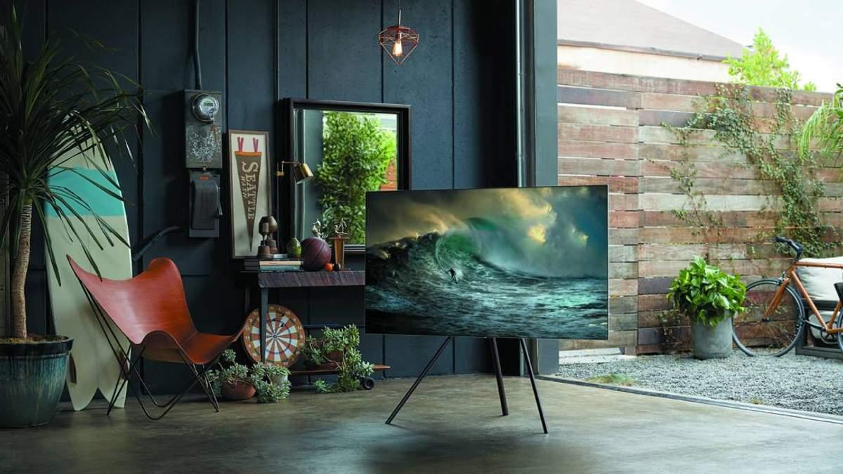 """Samsung представила нові """"розумні"""" телевізори QLED 2018: характеристики та ціна"""