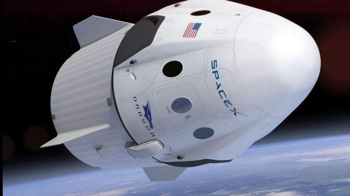 Маск показал корабль, который будет отправлять людей в космос