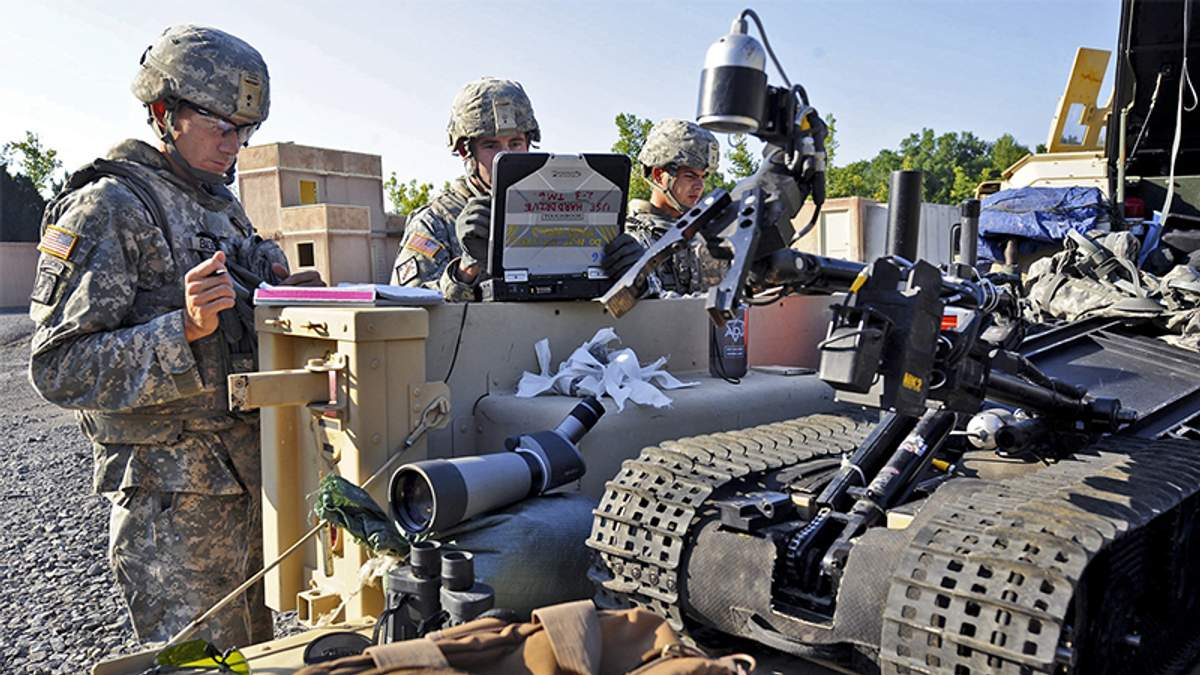 Южная Корея заменит часть военных роботами