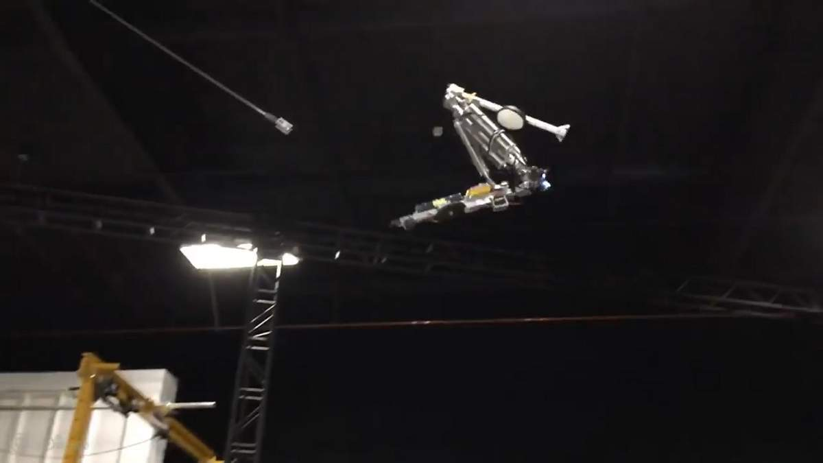 Disney представила первого робота, который выполняет сложные акробатические трюки