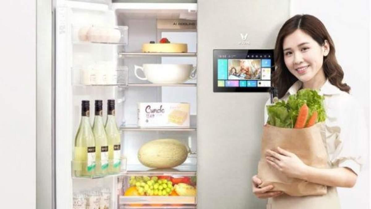 Xiaomi представила холодильник з вбудованим планшетом: фото
