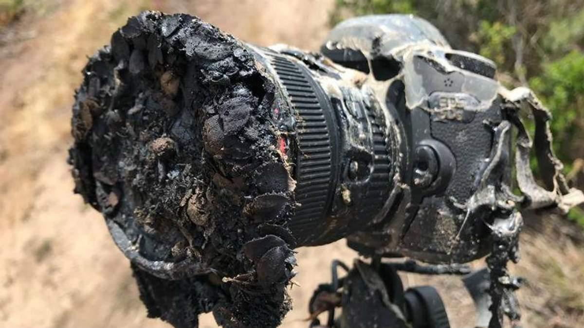 Понівечена камера фотографа NASA: що  насправді з нею сталось