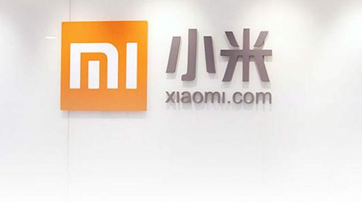 З'явились реальні фото смартфона Xiaomi  Mi 8 та фітнес-трекера Mi Band 3