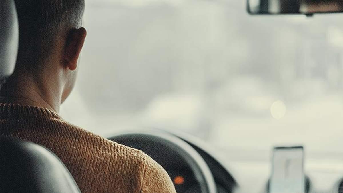 Uber змінює правила платформи для водіїв