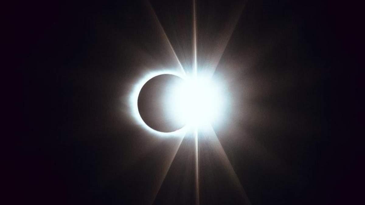 NASA проводить трансляцію найдовшого місячного затемнення