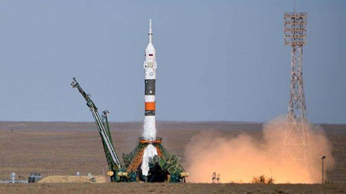 """Нове випробування для співпраці США і Росії в космосі, – західні ЗМІ про аварію ракети """"Союз"""""""