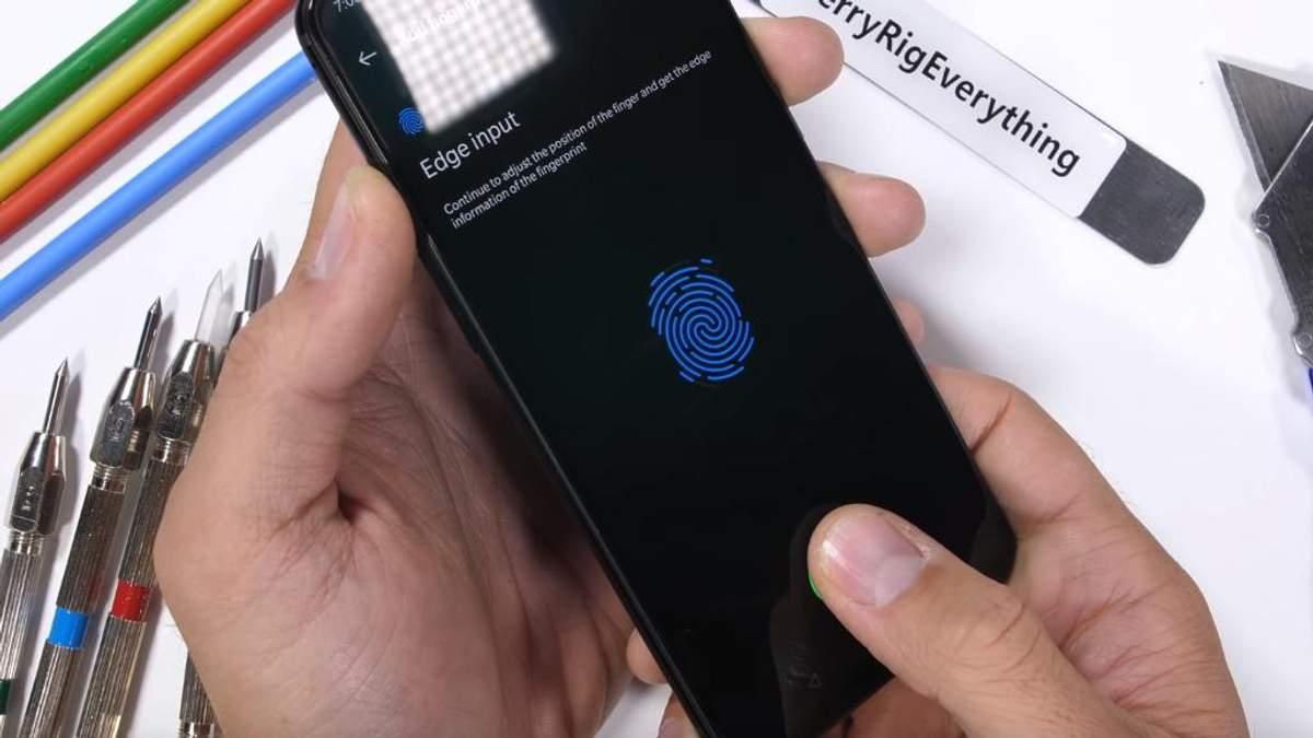 Смартфон OnePlus 6T пройшов тест на міцність