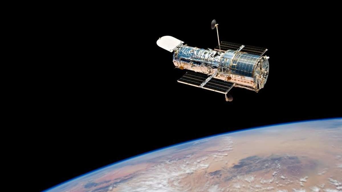 """Одна зірка """"поглинула"""" іншу: телескоп Hubble зафіксував неймовірне явище"""