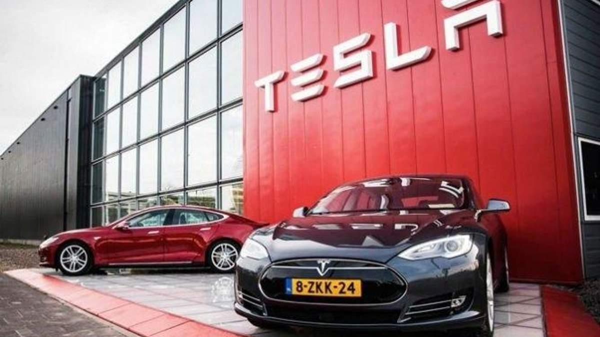 Автомобили Tesla будут отпугивать грабителей с помощью оригинальной технологии