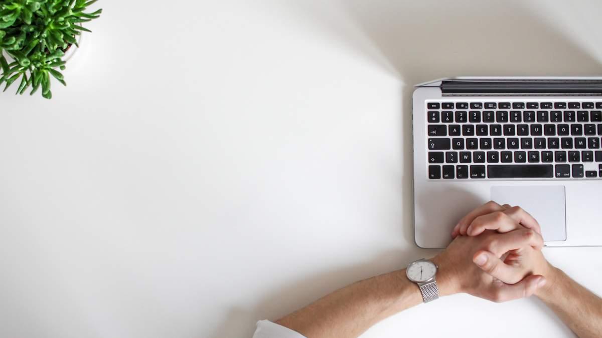 Новый MacBook может получить стеклянную клавиатуру