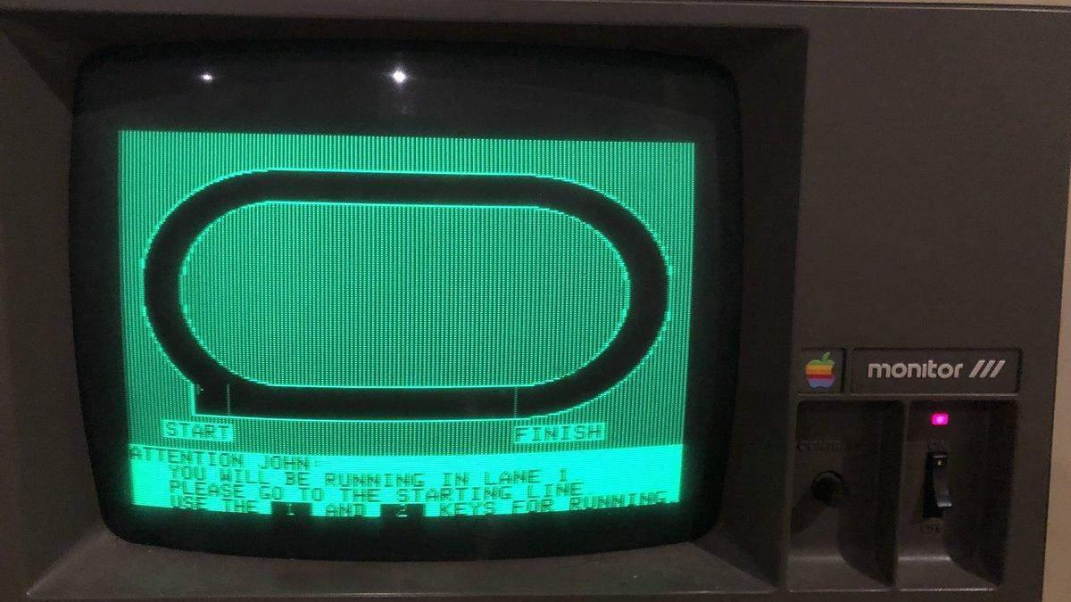 36-річний комп'ютер Apple досі працює: як він виглядає