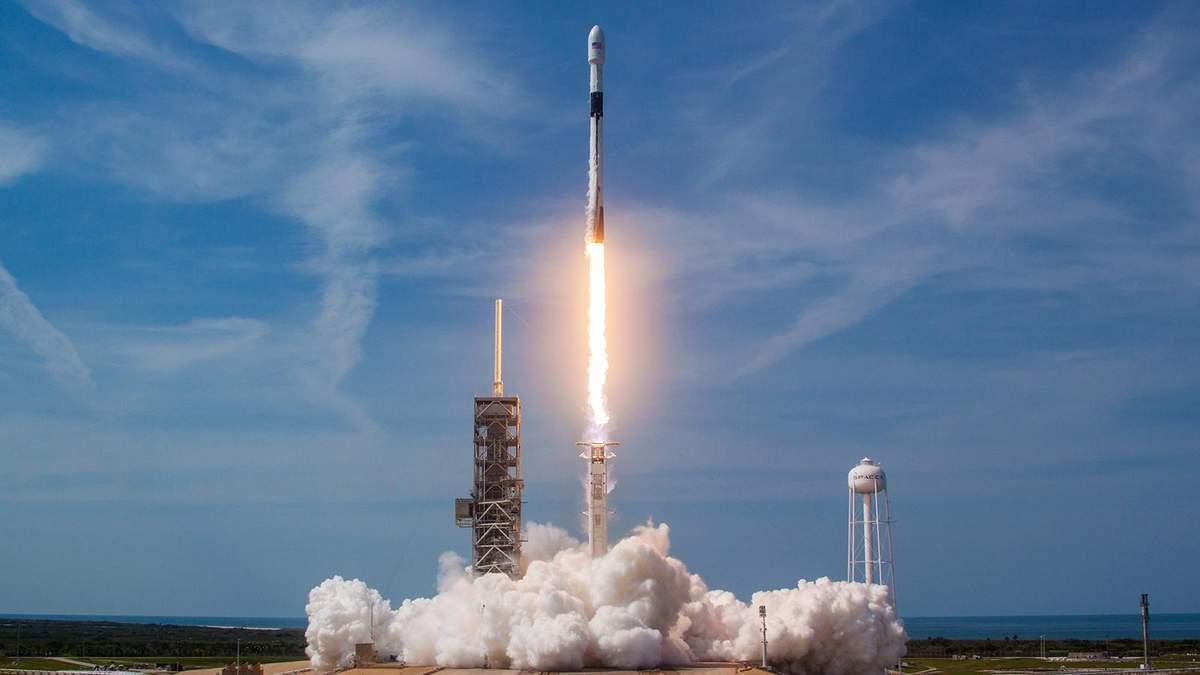 Запуск ракеты SpaceX Falcon 9