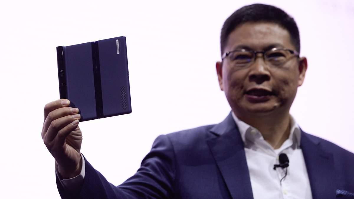 Складний смартфон Huawei Mate X міг мати інший дизайн: деталі