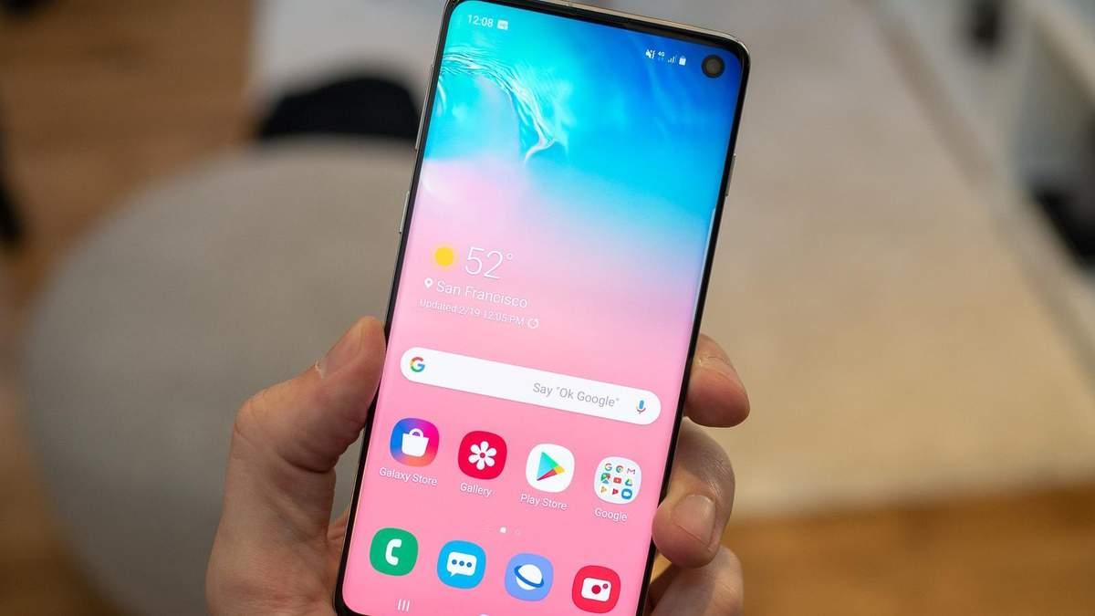 Смартфон Samsung Galaxy S10 перевірили на міцність: відео