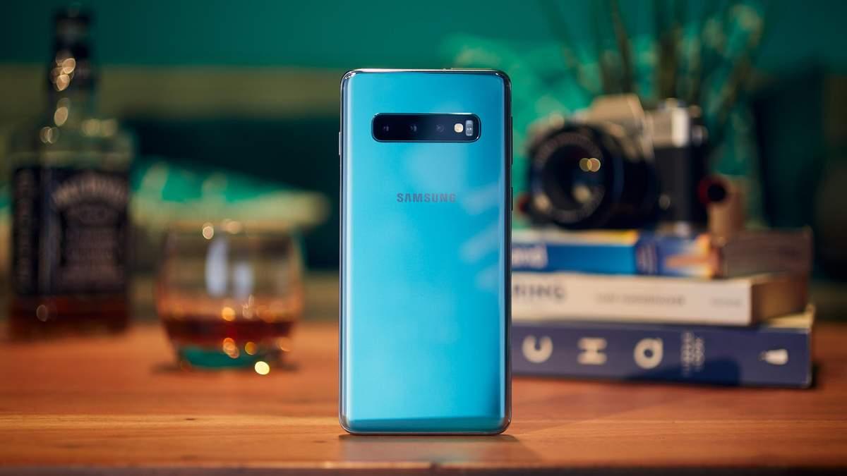 Смартфон Samsung Galaxy S10 официально представили в Украине