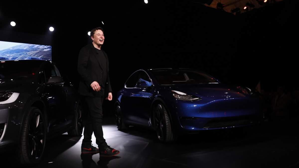 Илон Маск представил новый электрокар Tesla Model Y