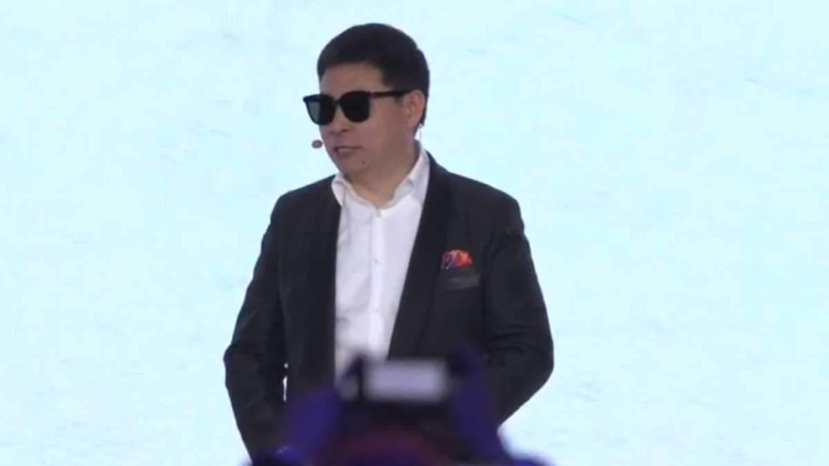 Huawei випустила стильні смарт-окуляри