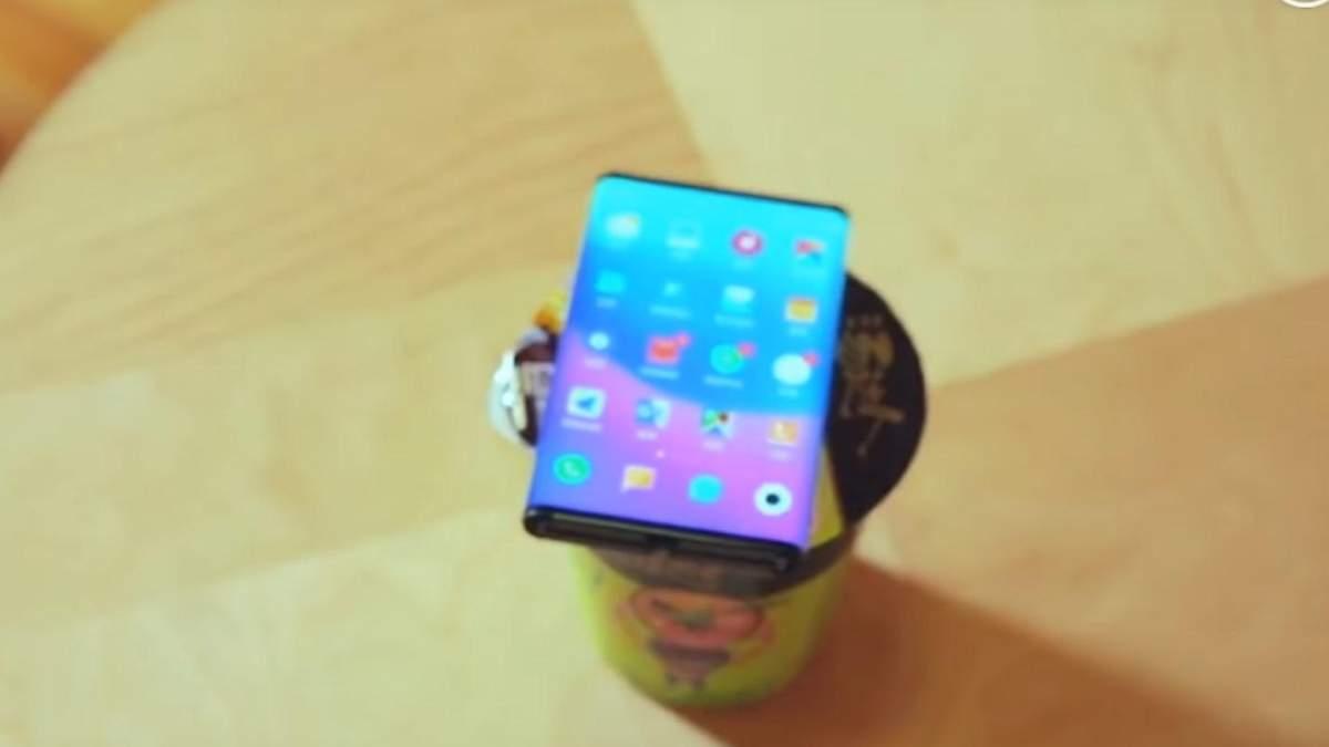 Гибкий смартфон Xiaomi Mi Fold засветился на новом видео