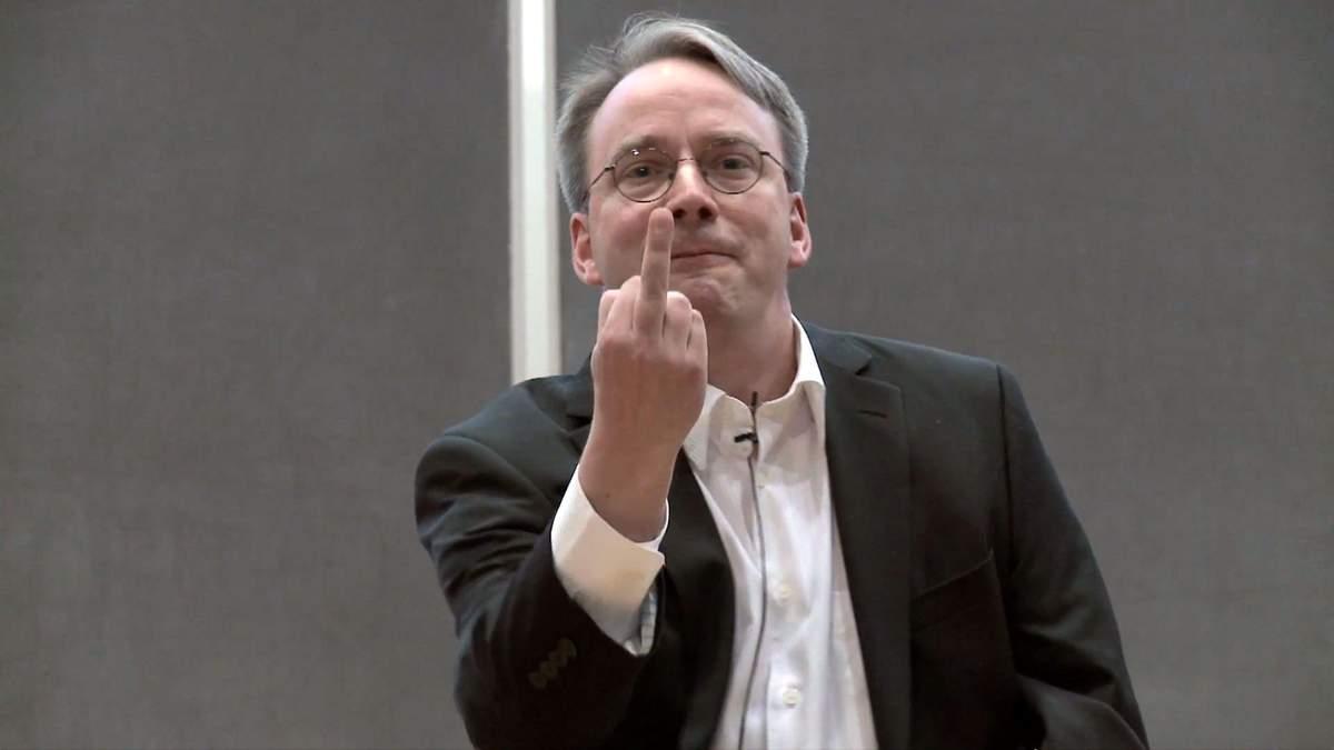 Це хвороба: засновник Linux розкритикував соцмережі