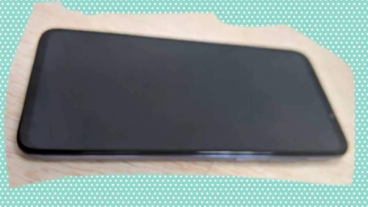 Смартфон Meizu 16T появился на фото: что прояснили снимки