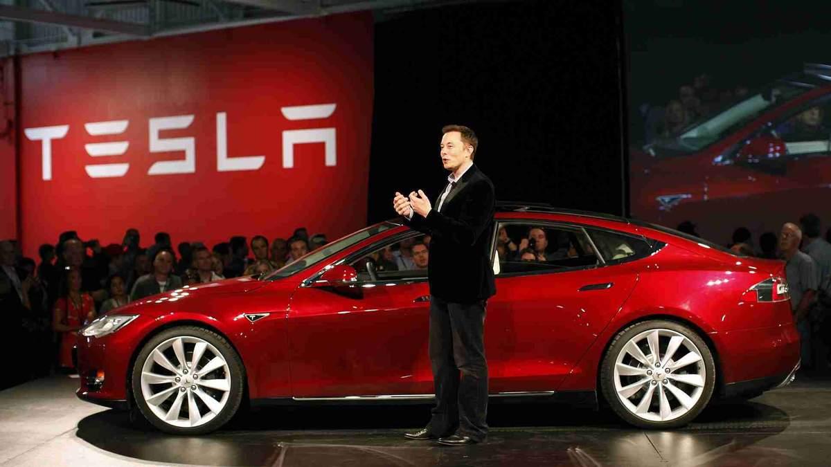 В Tesla розповіли про власний процесор для безпілотних авто