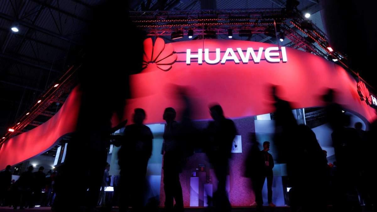 Huawei уменьшает производство смартфонов