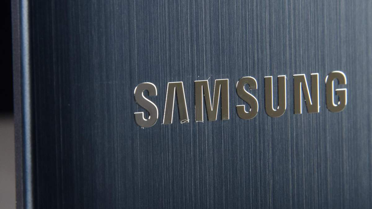 Samsung запатентувала незвичний смартфон