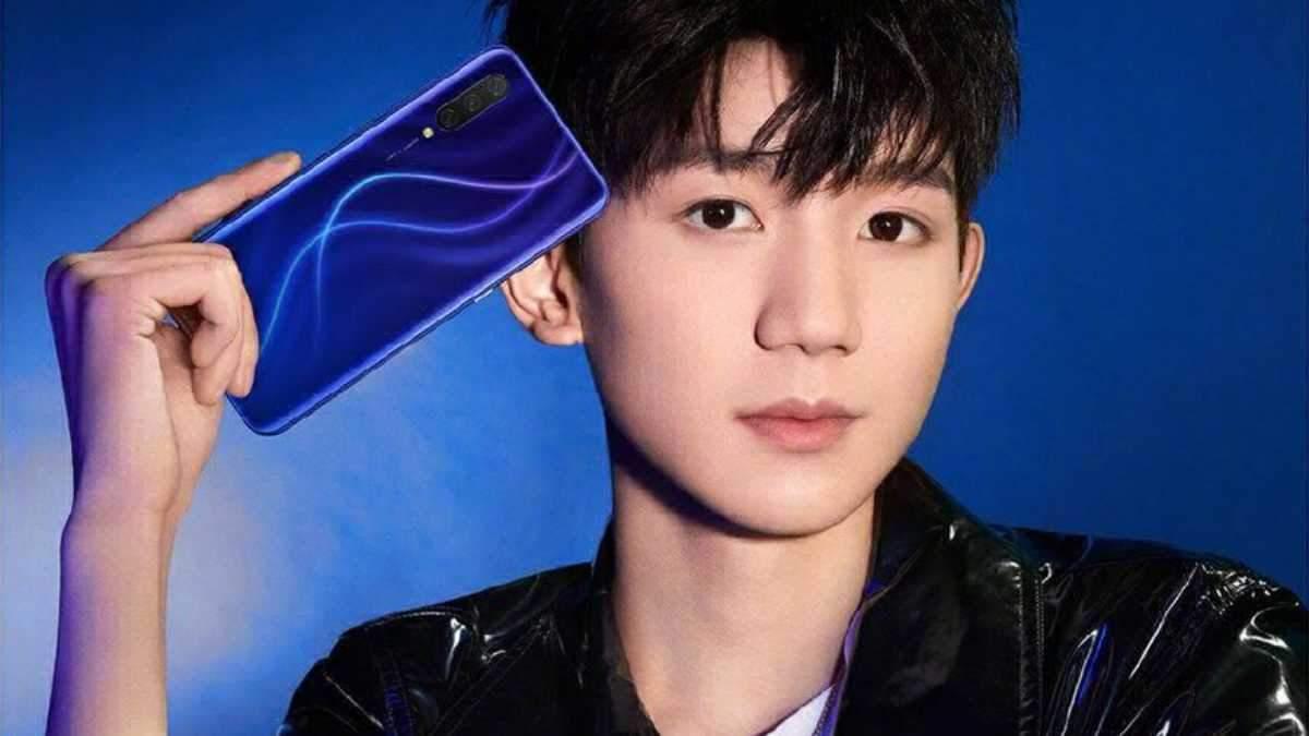 Xiaomi CC9 у синьому кольорі
