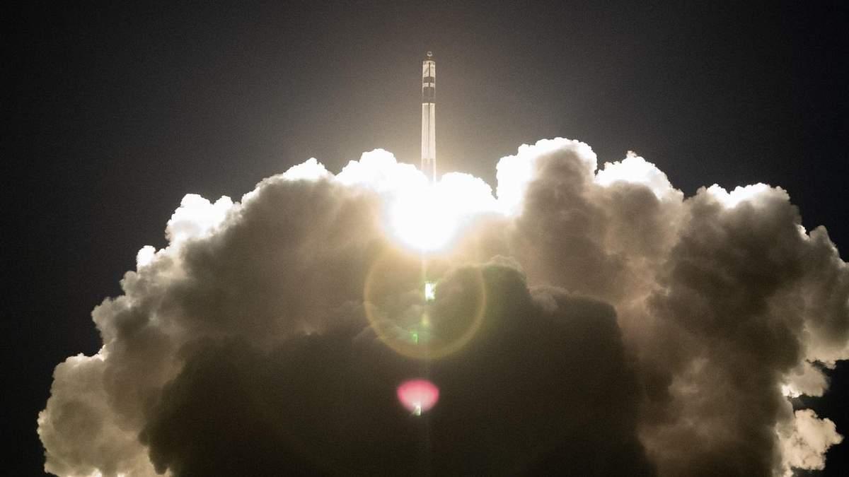 Rocket Lab успешно вывела на орбиту 7 новых спутников: видео запуска