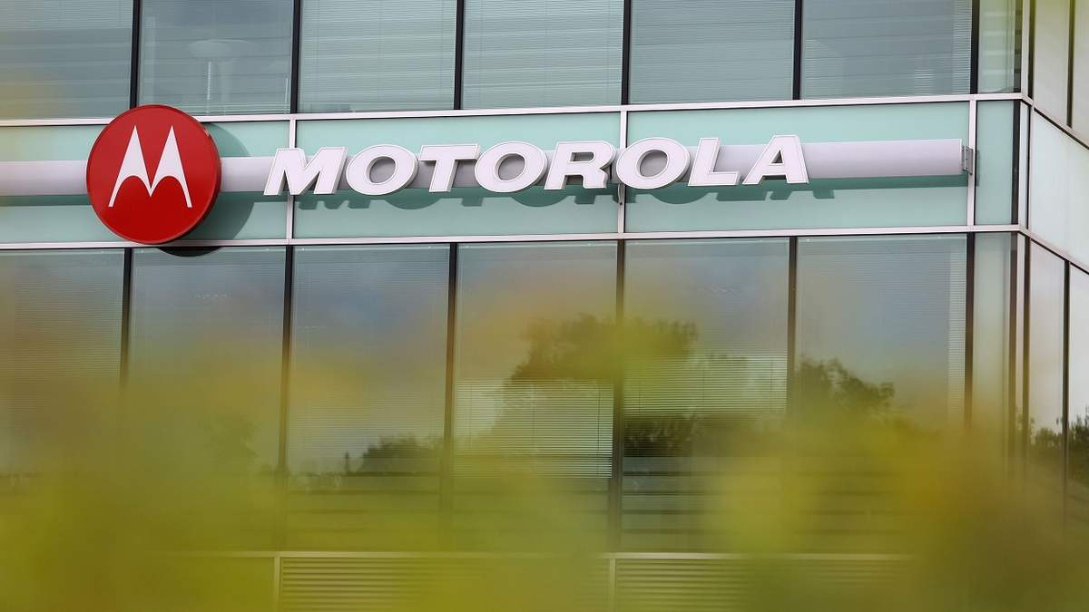 Алло став офіційним дистриб'ютором Motorola