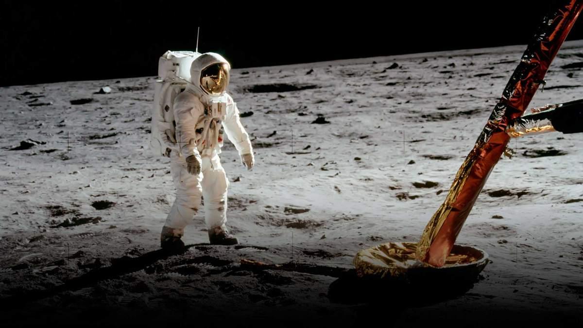 NASA планирует впервые в истории отправить на Луну женщину-космонавта