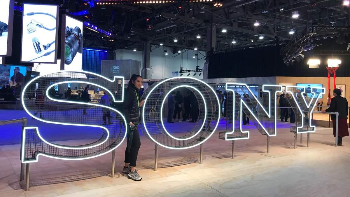 Sony продає акції Olympus