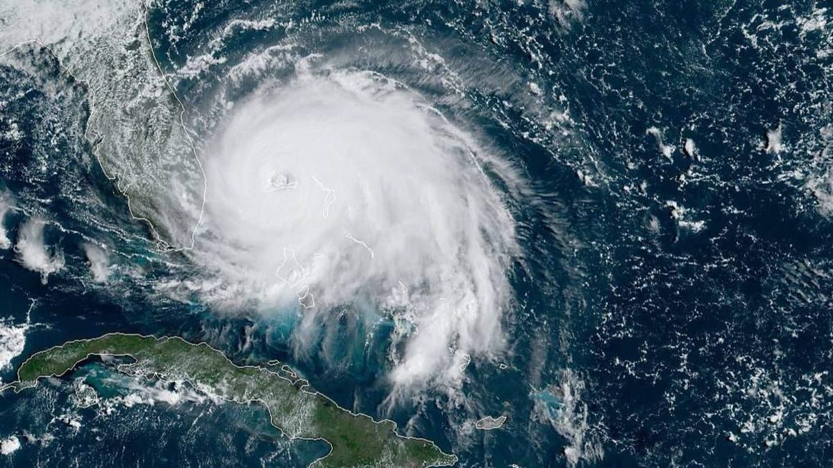 Фото урагана Дориан из космоса