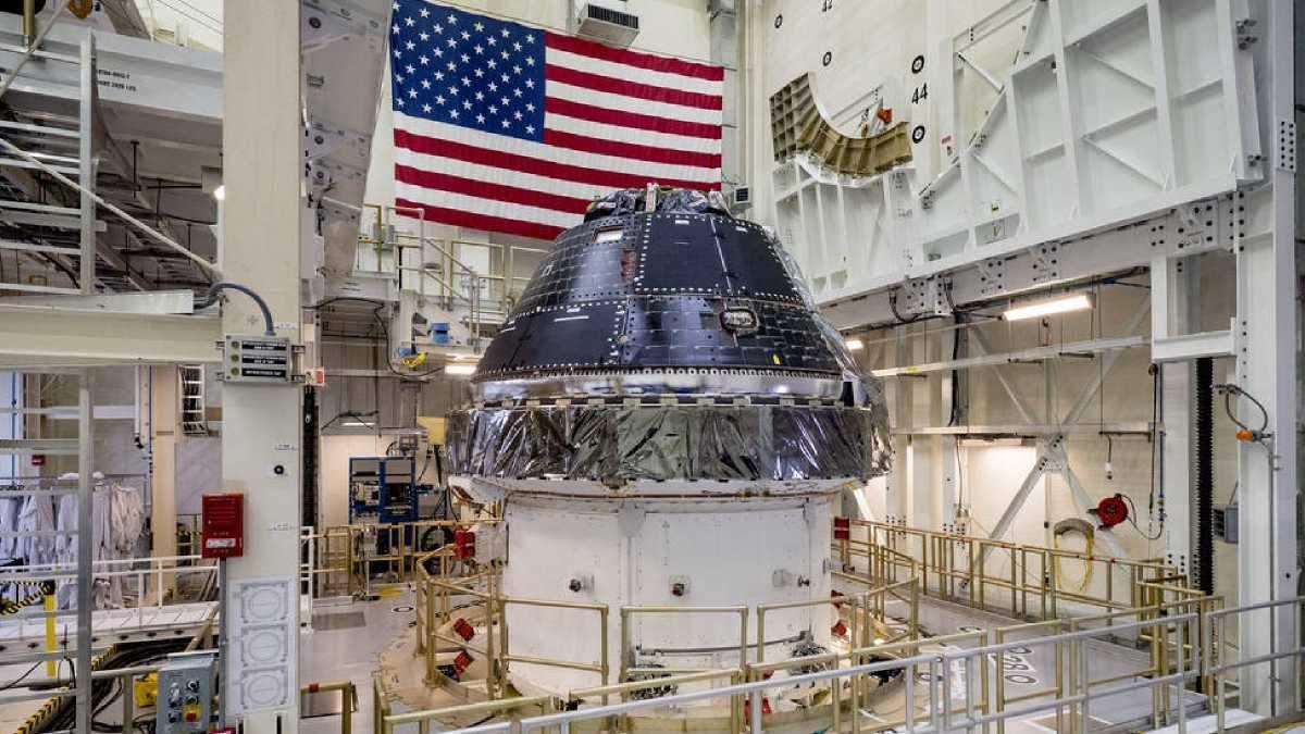 NASA выделило деньги для строительства лунных кораблей