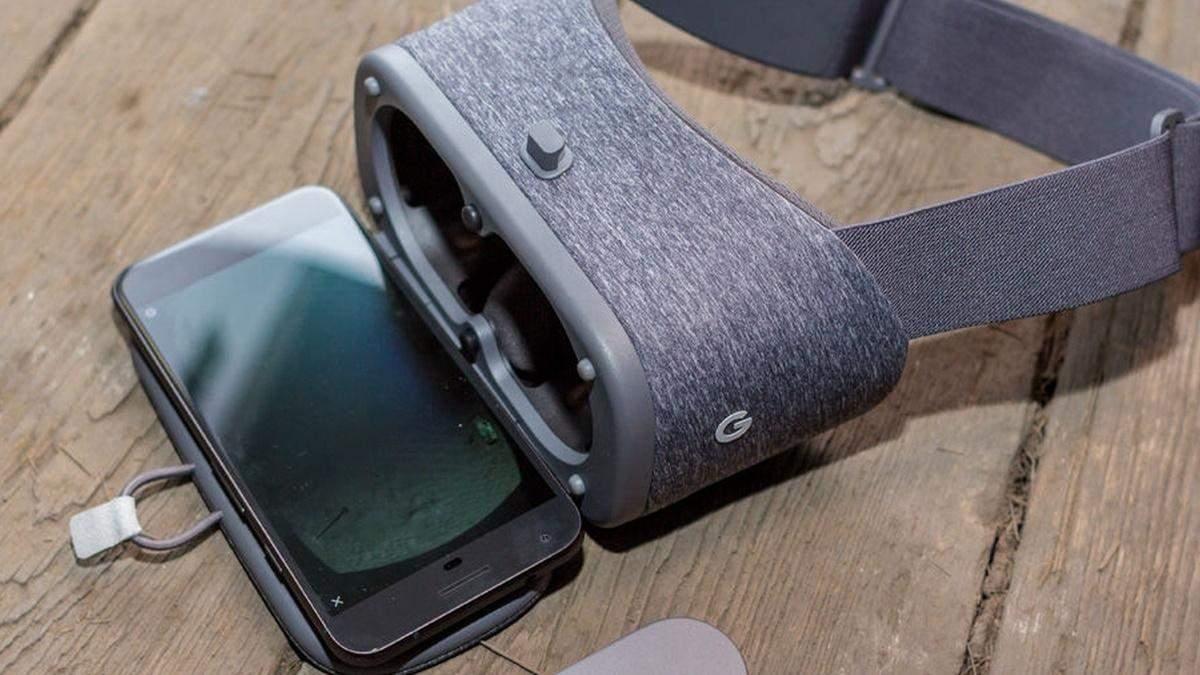 """Google може """"поховати"""" VR-гарнітуру Daydream View"""