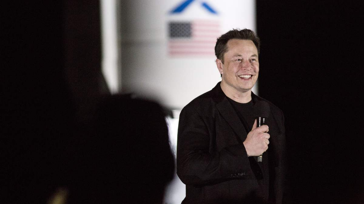 Илон Маск испытал собственный спутниковый интернет