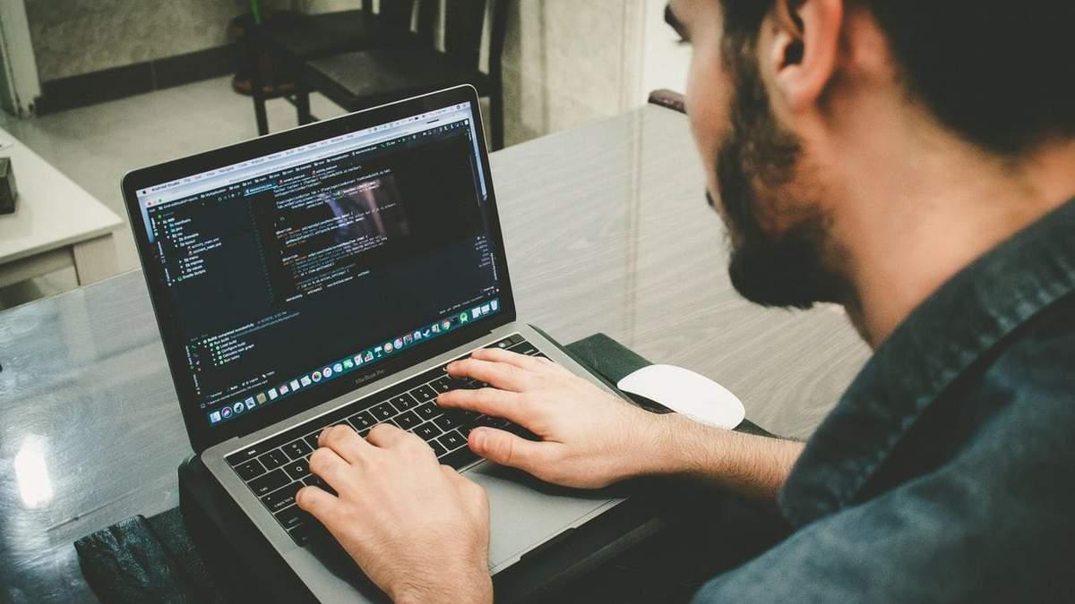 Скільки заробляють українські IT-фахівці