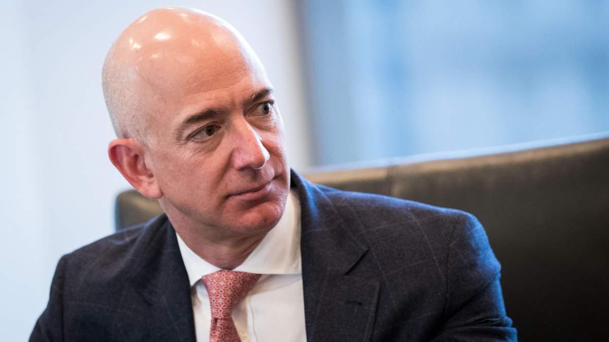Безос – уже не самый богатый человек мира: Bloomberg опубликовал новый рейтинг