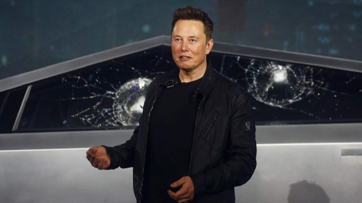 Илон Маск объяснил, почему стекло Tesla Cybertruck треснуло во время презентации