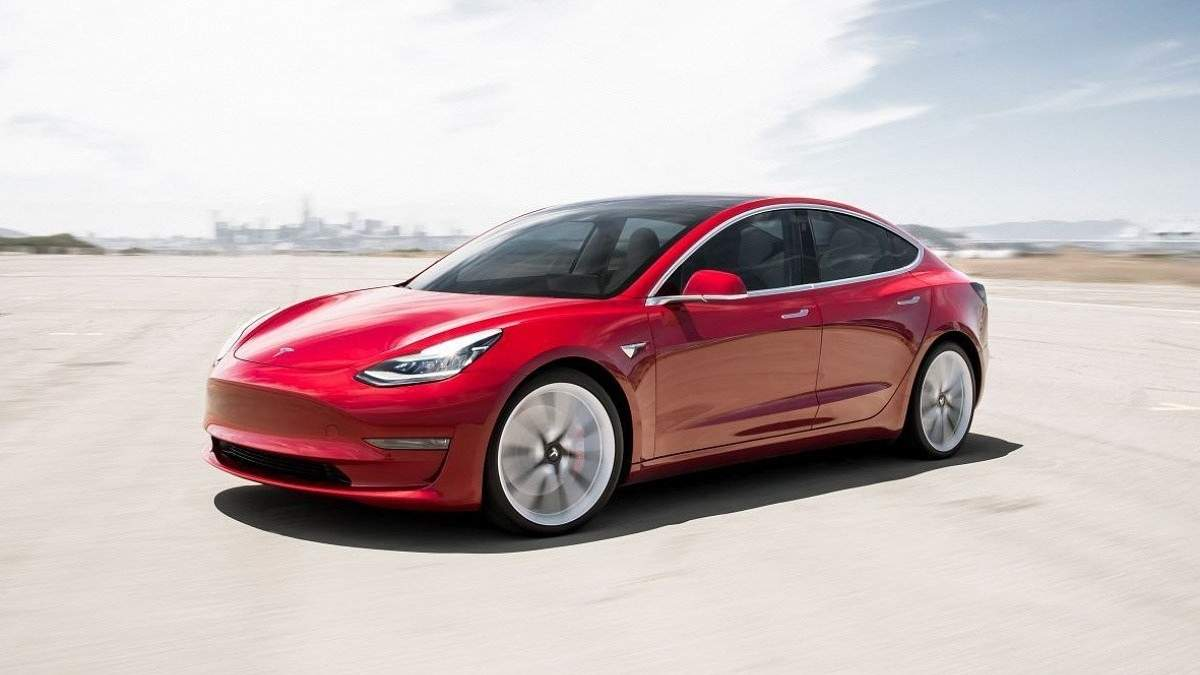Електромобілі Tesla Model 3 можуть подешевшати на 20% і більше
