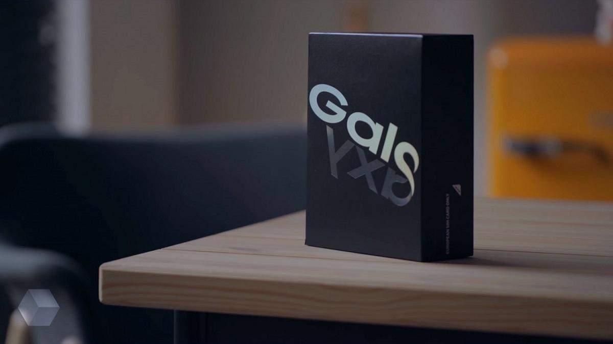 """""""Живые"""" фото Samsung Galaxy Fold 2"""